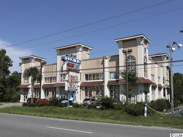 Great Business or Investment opportunity! 11,300 sqft commercial retail building less than 10 years old on 1.03+- acres. Located on the south end of Myrtle Beach. 2 Blocks from the Atlantic Ocean and near Market Commons district. High traffic tourist area with approx 27,000 vehicle count per day (Source: SCDOT). Zoned: HC (Highway Commercial).