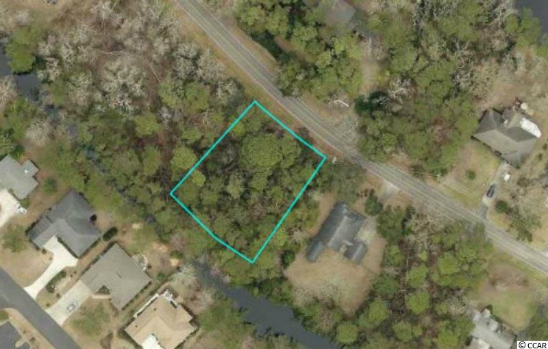 Prime estate lot located in Litchfield Country Club. Litchfield Country Club is located in the Litchfield/Pawleys Island area. Litchfield Country Club consists of a VOLUNTARY HOA.