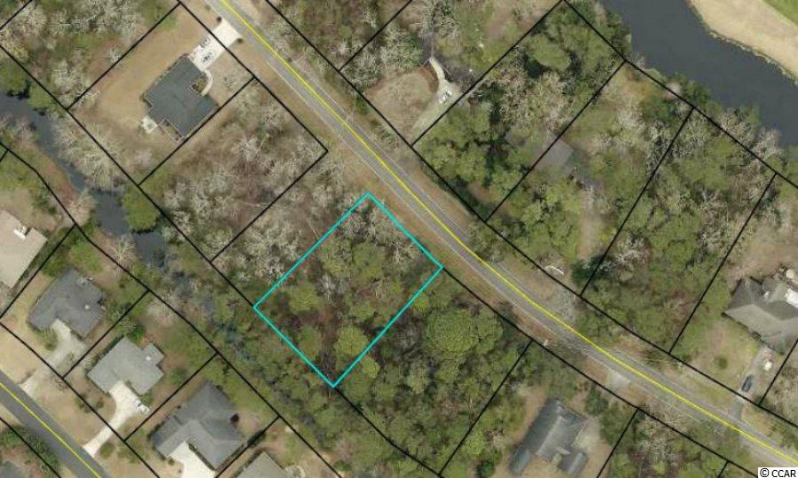 Prime estate lot located in Litchfield Country Club. Litchfield Country Club is located in the Litchfield/Pawleys Island area. Litchfield Country Club consists of a VOLUNTARY HOA,
