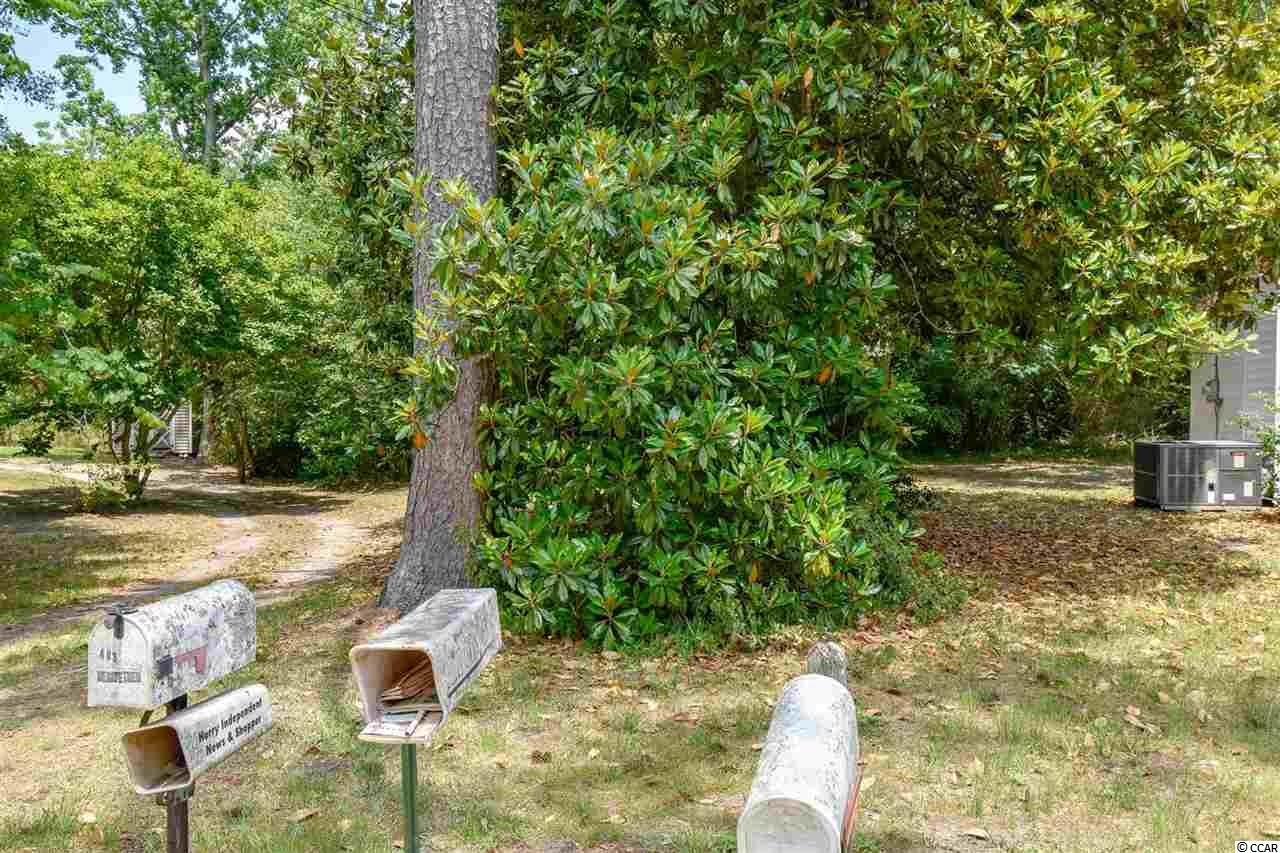 Located in the Jamestown section of Conway, this lot makes a perfect place to build a home for your family. Conveniently located to Historic Downtown Conway and only a short drive to Myrtle Beach and all the Grand Strand has to offer - shopping, dining & entertainment, golf courses, the airport, area attractions, the beautiful Atlantic Ocean and so much more. Stop by and take a look!