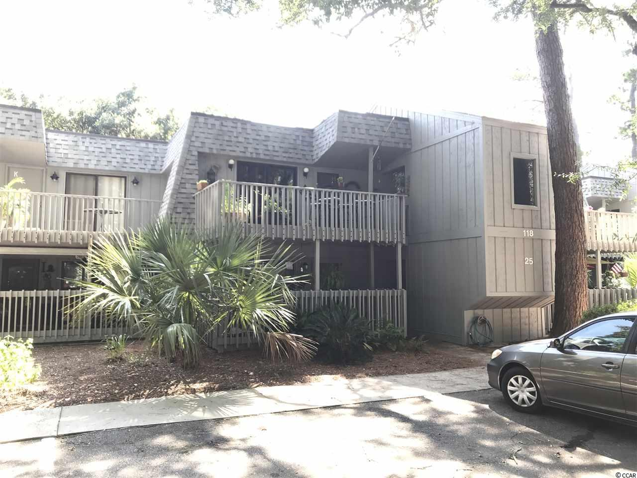 Quiet Location on the first floor, with 1 bedroom 1.0 bath, and fenced patio. Salt Marsh Cove is a well established community located on the creekside of Litchfield Mainland under beautiful live oak trees and is conveniently located to beach (5 minutes!), shopping, and restaurants. The grounds are beautifully maintained and there is a community dock on the creek, and a pool with clubhouse.