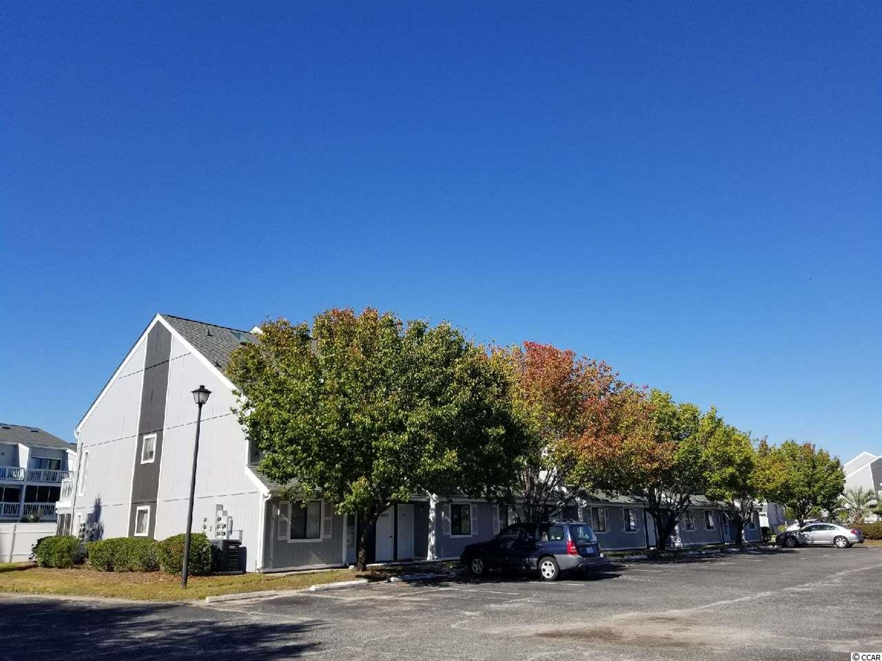 Baytree Golf Colony Eff/1BA condo that's been updated!  Beautifully decorated, washer/dryer, fully furnished.  Community offers: indoor/outdoor pools.  Located close to golf, fine dining, shows, shopping & most anything else you want or need!