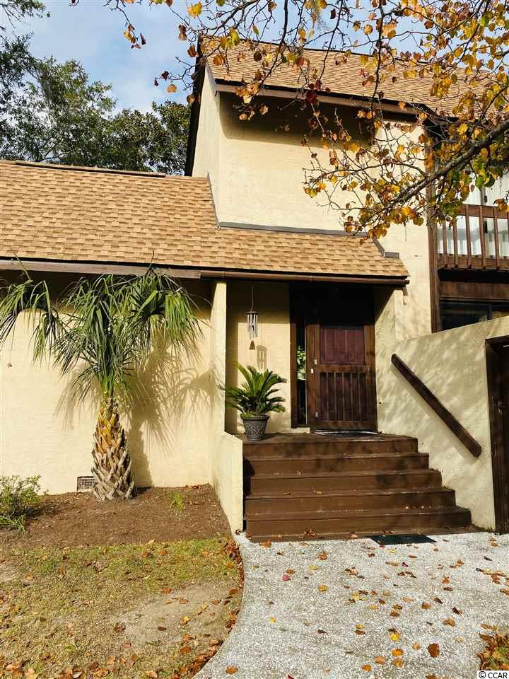 Welcome to low country living at its finest! This recently updated 3 bedroom 2 bath end unit, is tucked away on Mayrant Bluff Lane with newer laminate flooring, HVAC and roof. The beautiful Belle Isle community is nestled under beautiful old live oak trees, draped with Spanish moss. With incredible views of the Winyah Bay, a nice breeze on picturesque evening, Belle Isle has so much to be desired. Belle Isle Yacht Club amenities include 2 pools, tennis courts, yacht club, marina and a beach house at Pawleys Island. Only 10 minutes from the Historic District of Downtown Georgetown, shopping and restaurants on the waterfront, and an hour north of Charleston and 30 miles south of Myrtle Beach, you are away from the hustle and bustle of the busy city, but close enough for a day trip! Come see 84 Mayrant Bluff #81 and fall in love with the serene community and gracious amenities. Buyer to verify square footage.