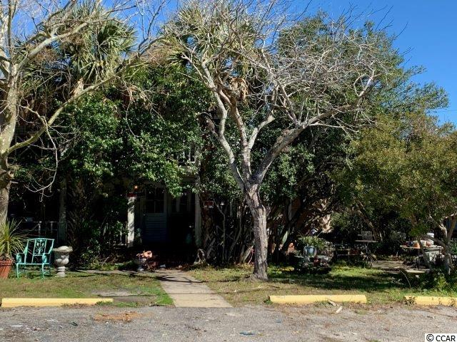 Attention investors! Are you looking to live within walking distance to the beach and also have the opportunity to own and manage a motel? Here is your chance! This 2 story, 4 bedroom home offers views of the ocean and is part of a 17 unit motel that sits next door. Please contact Listing Agent for further details and questions.