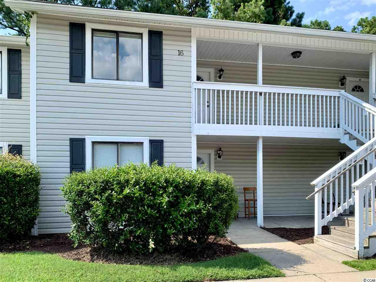 The open floor plan of this 2 bedroom, 2 bath condo is great for entertaining.   Close to Coastal Carolina University, dining, shopping, and the beach!