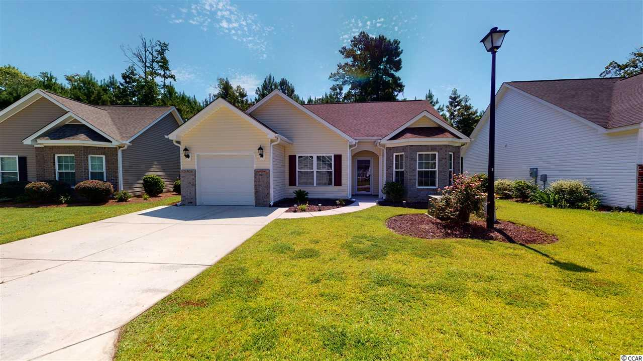 Now available and ready to see. Nice three bedroom, two bath, in a great school district. Fully fenced in private back yard. Vaulted ceilings, soft close cabinets, tile backsplash, and granite counter tops.