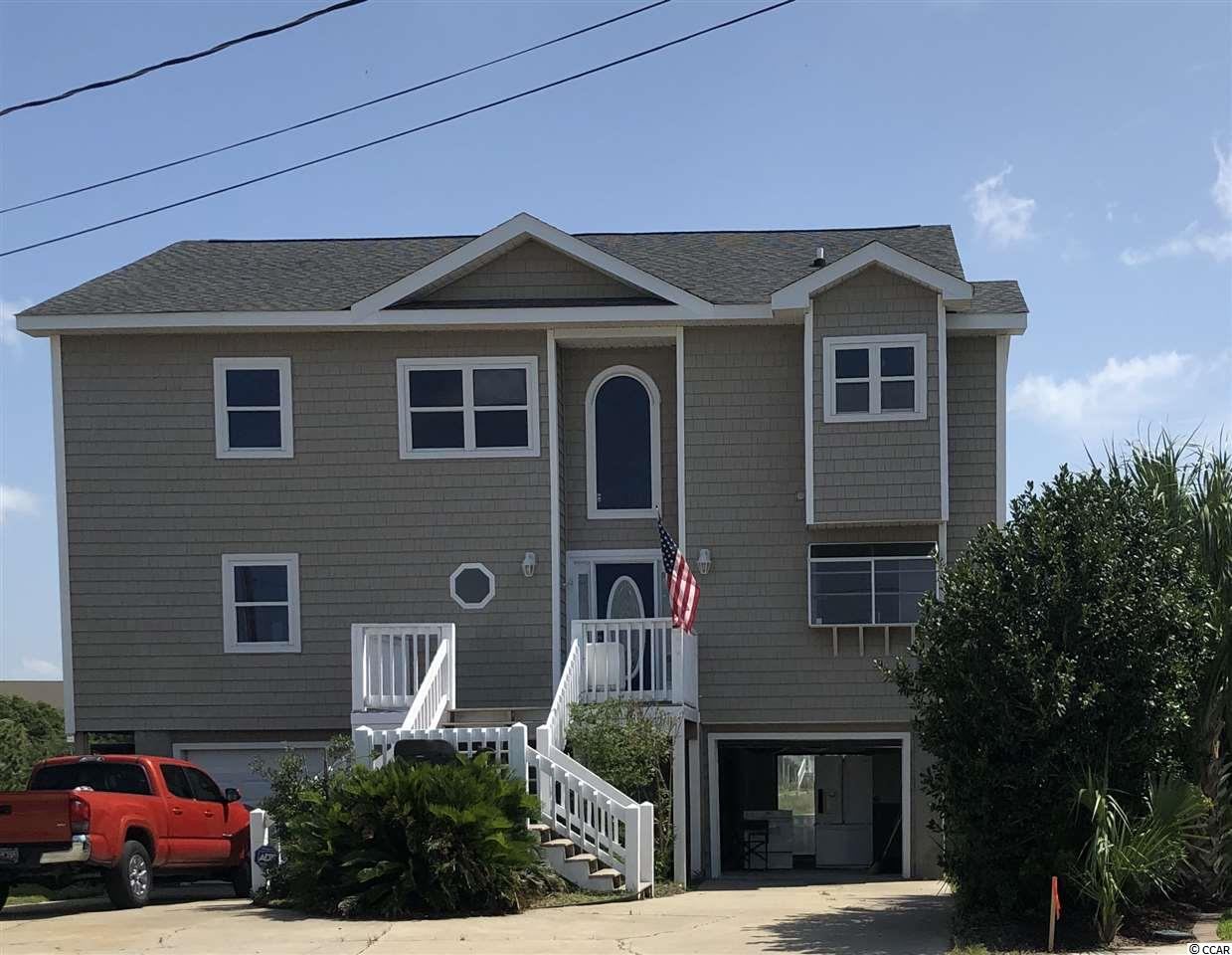 BRING YOUR BIG BOAT TO THIS HOME LOCATED ON A CHANNEL GOING DIRECTLY TO THE OCEAN. SELLER HAS  HAD A NEW SEAWALL BUILT WITH IN THE LAST YEAR , OVER 100 FT.  IT HAS A FLOATING DOCK.  BEAUTIFUL VIEWS,  HOUSE HAS RECENTLY HAD MOST OF INTERIOR PAINTED. NEW STAINLESS APPLIANCES . NEW DECK ALL THE WAY ACROSS THE BACK . LOTS OF ROOM FOR ENTERTAINING.  YOU REALLY NEED TO SEE TO APPRECIATE.