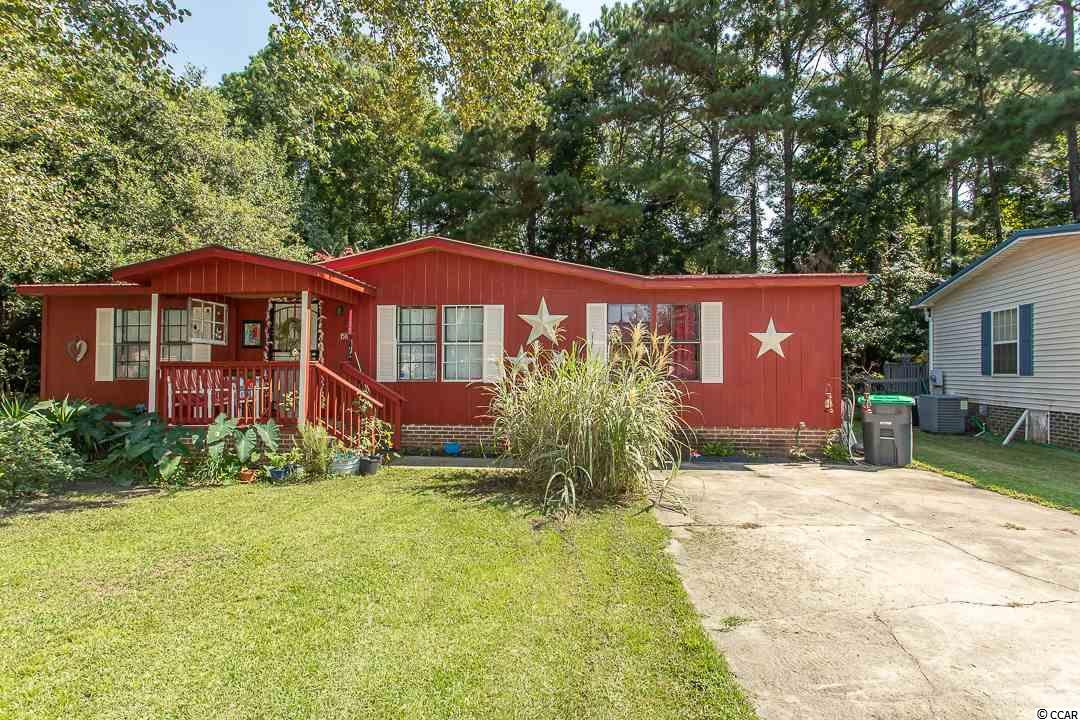 SHABBY CHIC -  FULLY FURNISHED, Remodeled Home in a Great 55+ Community.    Large Livingroom / Dining Room Combo, With Split Bedroom Floor Plan.  Kitchen, Laundry Room, and 19 X 10  Sun Room.   Plus Outdoor Shed for Added Storage.  You Need to See This Beachy Home.