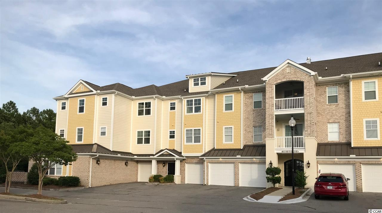 New end-unit condo with CAPTIVATING VIEWS of the Intracoastal WATERWAY & Greg Norman's Signature 10th hole!   Split bedroom layout w/ TWO MASTER SUITES + 3rd BR.  ELEVATOR & PRIVATE STAIRCASE. BEACH PARKING, 2021 BEACH CABANA, Choice of 2 pools.UPGRADES GALORE!!  Luxury vinyl plank/tile...EAT-IN KITCHEN...QUARTZ countertops...ISLAND-like seating...PANTRY... SHAKER-style cabinets w/ pot drawers/extra tall uppers...New STAINLESS appliances inc. built-in French-door frig. Lots of closet space.   Walk-in tile shower with JETTED BODY SPRAYS, deep curved Kohler SOAKER TUB. Large laundry w/ new LG W/D. Private Garage.Transferable GOLF MEMBERSHIP to 4 Golf-Digest top-rated Barefoot Resort courses is included (Love, Fazio, Norman, & Dye).