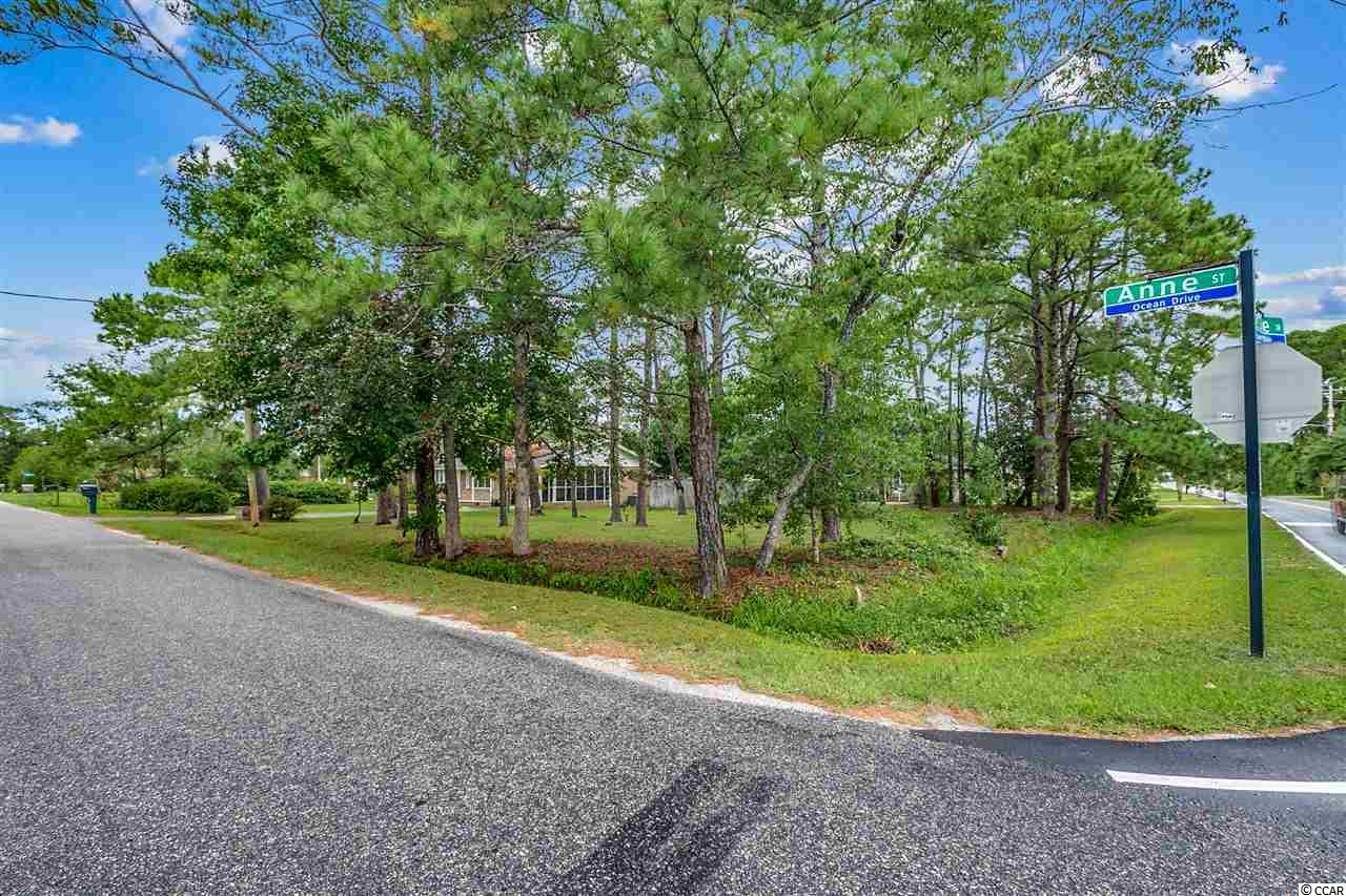 Approx. quarter acre lot in North Myrtle Beach in Forest Lakes area. Great for being in the center of all that NMB has to offer.