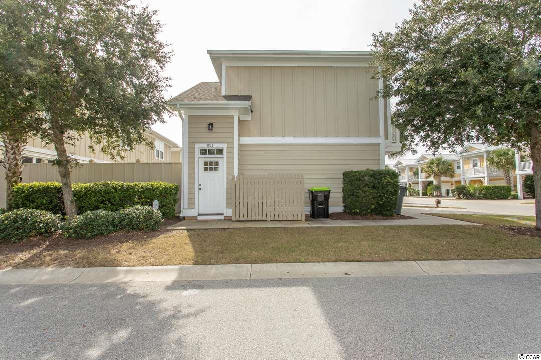 Newly UPDATED 1 BR / 1 BA Exchange Carriage House Unit with private balcony, engineered hardwood in living area, NEW CARPET on steps and in bedroom, granite countertops, SS appliances, BRAND NEW sleeper sofa & area rug in living room with Sunbrella fabric, and a BRAND NEW hot water heater installed 2020.  North Beach Plantation,60-acre oceanfront development offers a 2.5-acre pool area with a swim-up bar rated#1 in the US by TripAdvisor, 8 pools, 5 hot tubs, lazy river, world-class spa, Beach Fit fitness center, shuttle, security and 3 on-site restaurants located across from Barefoot Landing.