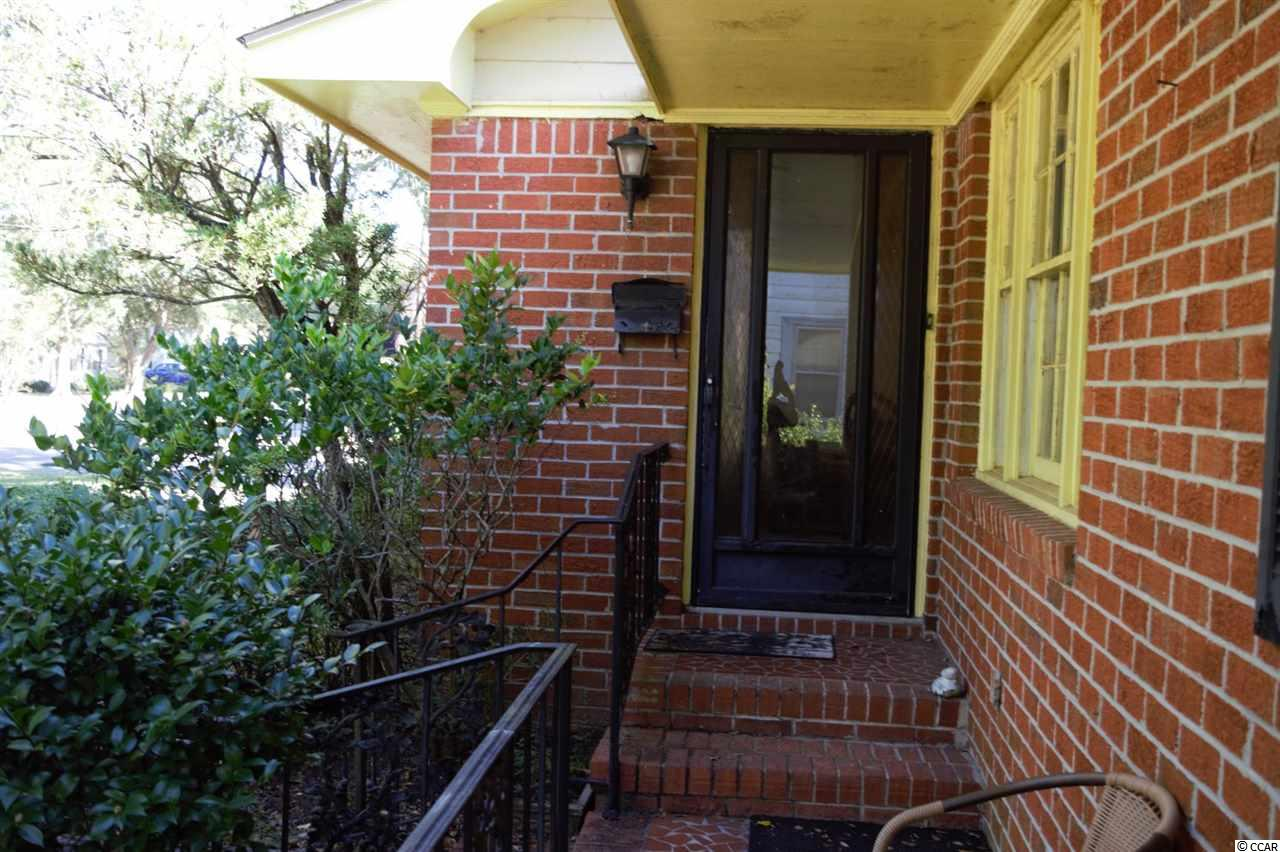 Three bedroom, two bathroom house with fireplace in Georgetown's Historic District. Close to East Pay Park with its boat landing, tennis courts and walking  path. Also close to Downtown Georgetown's restaurants and shops. Square footage is approximate and not guaranteed. Buyer is responsible for verification.