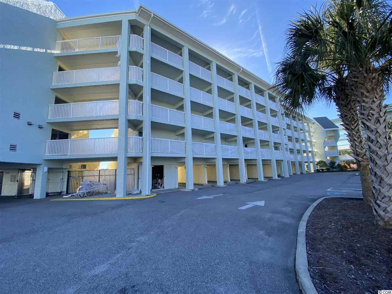 Perfect location right in the middle of Litchfield Beach. This 1 bed, 1 bath condo with granite counter tops has a balcony over looking the pool area. Just minutes from the ocean, this condo is set up up for a great vacation property. There are many amenities available for use in the complex. This property can also be used as an excellent rental.