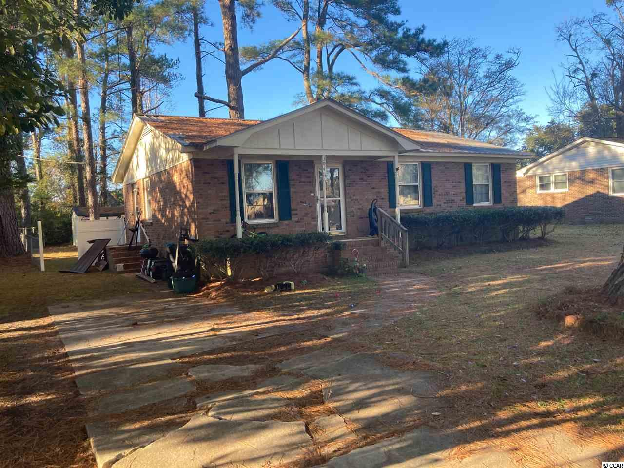 Please dont miss this great home at a great price.  Excellent schools close by, quiet neighborhood, friendly community.  If you like do some remodeling, a fixer upper, or buy it right then you cant beat 304 Heritage Rd.