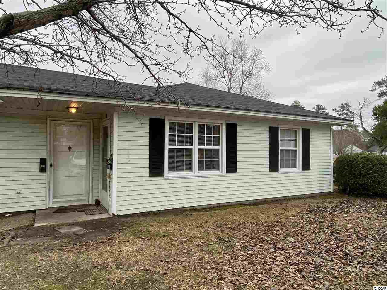 Great value for this 2 bedroom/1 bath end unit condo being Sold As Is in the heart of downtown Conway.  Enjoy neutral colors, laminate wood flooring and more!  Don't Delay.