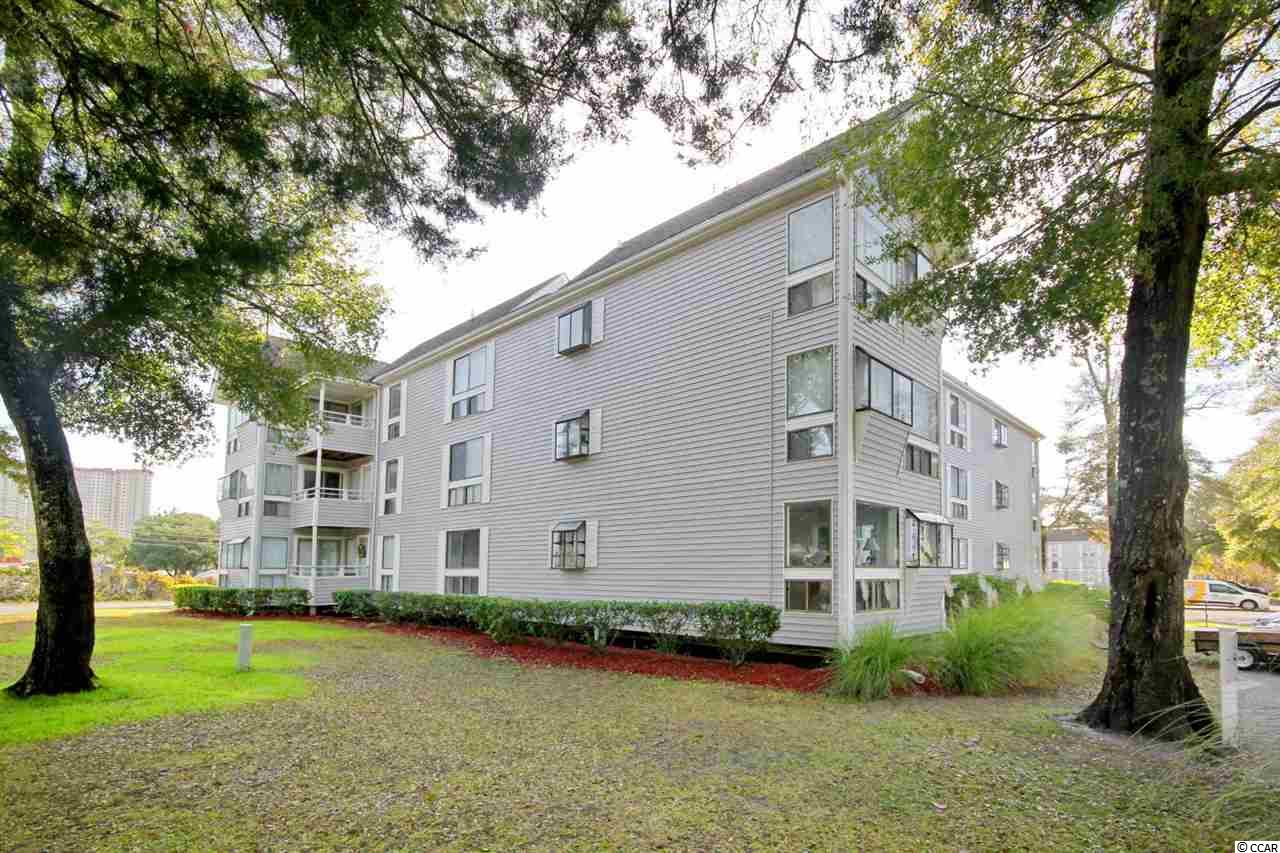 This is a 2/2 condo located within EZ walking distance to the beach. This community is known for its many amenities. 2 Pools, Jacuzzi, Steam, Sauna, playground, Owner fitness room, BBQ areas all over complex, Onsite Sports bar, and Arcade. 3 blocks to longest wooden pier on the east coast. 5 minutes to Super Walmart, Bass pro shop, Theaters, Live Theaters and Barefoot Landing.