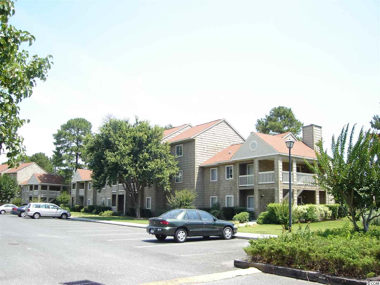 NICE 3RD FLOOR 1BR/1BA UNIT AT THE VERY EXCLUSIVE MYRTLE GREENS CONDOMINIUM COMMUNITY. QUIET SETTING. CLOSE TO UNIVERSITY AND HOSPITAL. CONVENIENT TO SHOPPING AND ENTERTAINMENT.