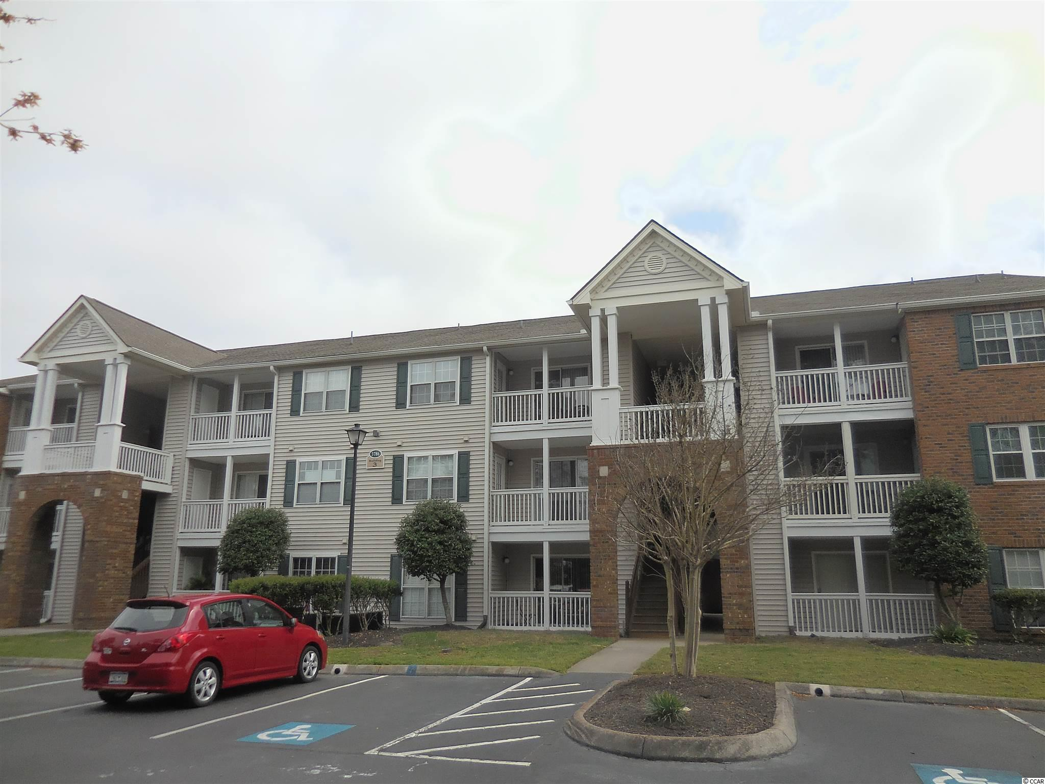 One bedroom,one bath in the middle of Myrtle Beach. Clubhouse, Pool area Heart of Myrtle Beach.  Needs updating,this property is a fixer upper!