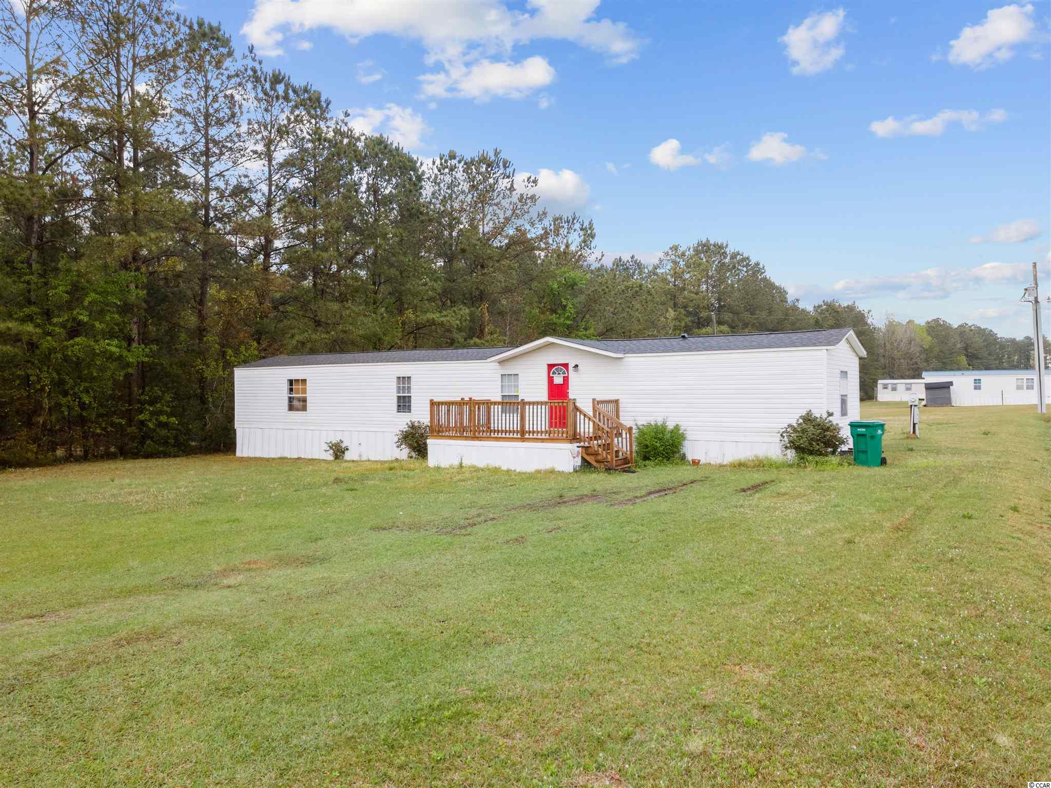 This updated 3 Bedrooms, 2 baths home is located on a very large lake view lot in Williamson Estates. The community is located less 5 minutes from downtown Conway! This home gives a very open welcome from the moment you walk through the front door with the open floor plan and great size kitchen! The floor plan allows for total privacy between master and guest bedrooms Homeowners can relax and enjoy the porch overlooking lake. The home is conveniently located near school districts, dining, shopping, hospitals and grocery stores!