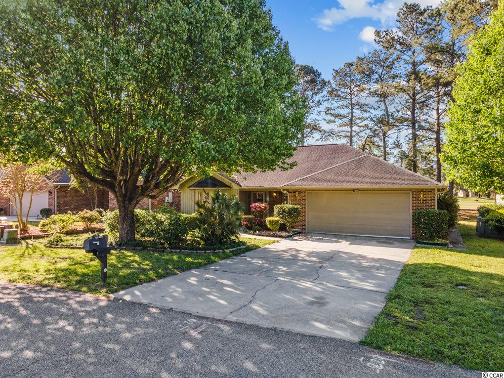 Come see this beautiful 2Bed/2Bath golf course home at Myrtle Trace a 55+ community. Conveniently located fifteen minutes from the beach and ten minutes to downtown Conway. Split bedroom floor plan. Kitchen with granite countertops. Large Carolina room with windows out to the golf course. Two car garage.