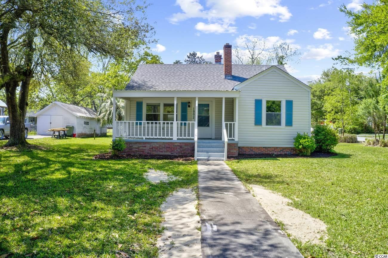 Come sit a spell on this front porch in the sleepy little neighborhood of Maryville. Located on the Southside of Georgetown and about an hour drive to the Ravenel Bridge in Charleston. Ready for its next owners to love and enjoy the lifestyle. Walkup storage could possibly be converted to living space with minimal effort. Love that price!!!