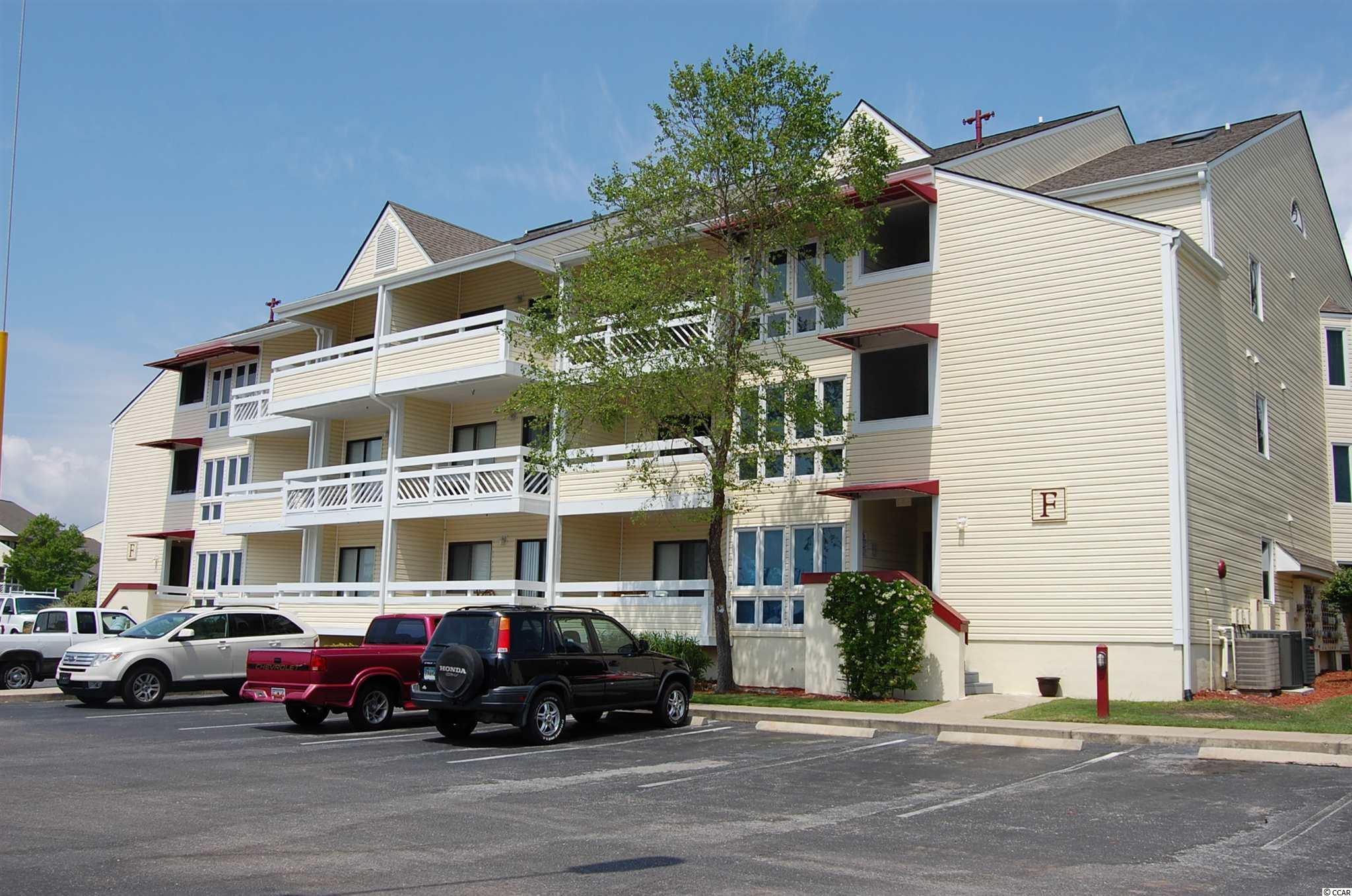 NMB G&T Eff/1 BA condo on 1st floor!  Comes furnished.  Community offers outdoor pool and tennis.  Close to community center, parks, fine dining & just a short drive to the beach!