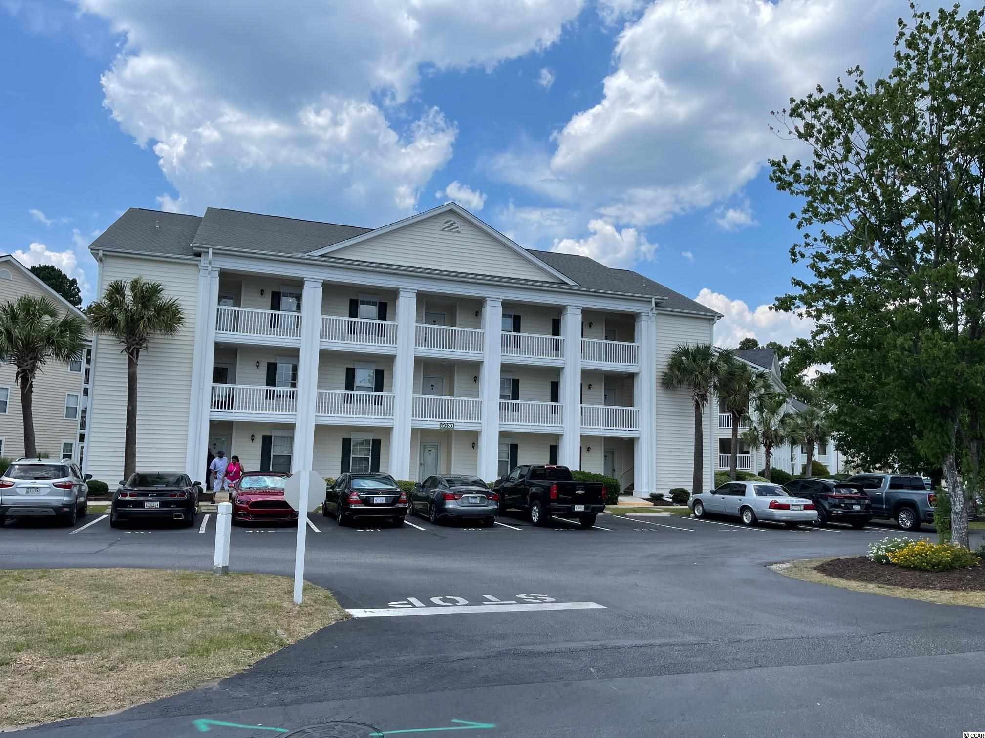PANORAMIC VIEWS OF THE GOLF COURSE IN THIS SPACIOUS TOP FLOOR FULLY FURNISHED CONDO WITH VAULTED CEILINGS.  LIVING ROOM & MASTER BEDROOM OPEN TO THE SPACIOUS SCREENED BALCONY. ENJOY THE FABULOUS VIEWS GOLF WHILE DOING KITCHEN PREPARATIONS.  CLOSETS GALORE INCUDING HUGE MASTER WALK IN & LARGE LAUNDRY ROOM.  WINDSOR GREEN FEATURES LAKES, OUTDOOR POOLS & LOCATED CLOSE TO BEACH, SHOPPING, ENTERTAINMENT & RESTAURANTS.  GREAT PLACE FOR INVESTMENT OR TO CALL YOURS!