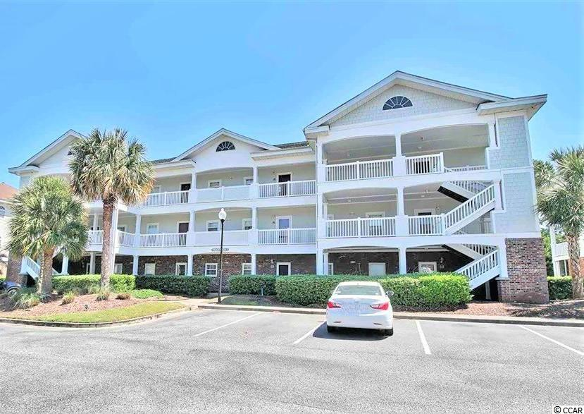 Grab your slice of paradise of this top floor unit in the highly sought after community Wedgewood @ BF! Enter in the foyer and enjoy your full kitchen with beautiful all white appliances to match the plethora of cabinet space. It leads into your open living room with tons of natural light pouring in with beautiful vaulted ceilings. Off the living room is access to your private balcony with gorgeous views! The master bedroom features a lovely tray ceiling with a ceiling fan. This unit is a short walk to the community pool. Wedgewood features free shuttle service during season to Barefoot's private beach cabana!
