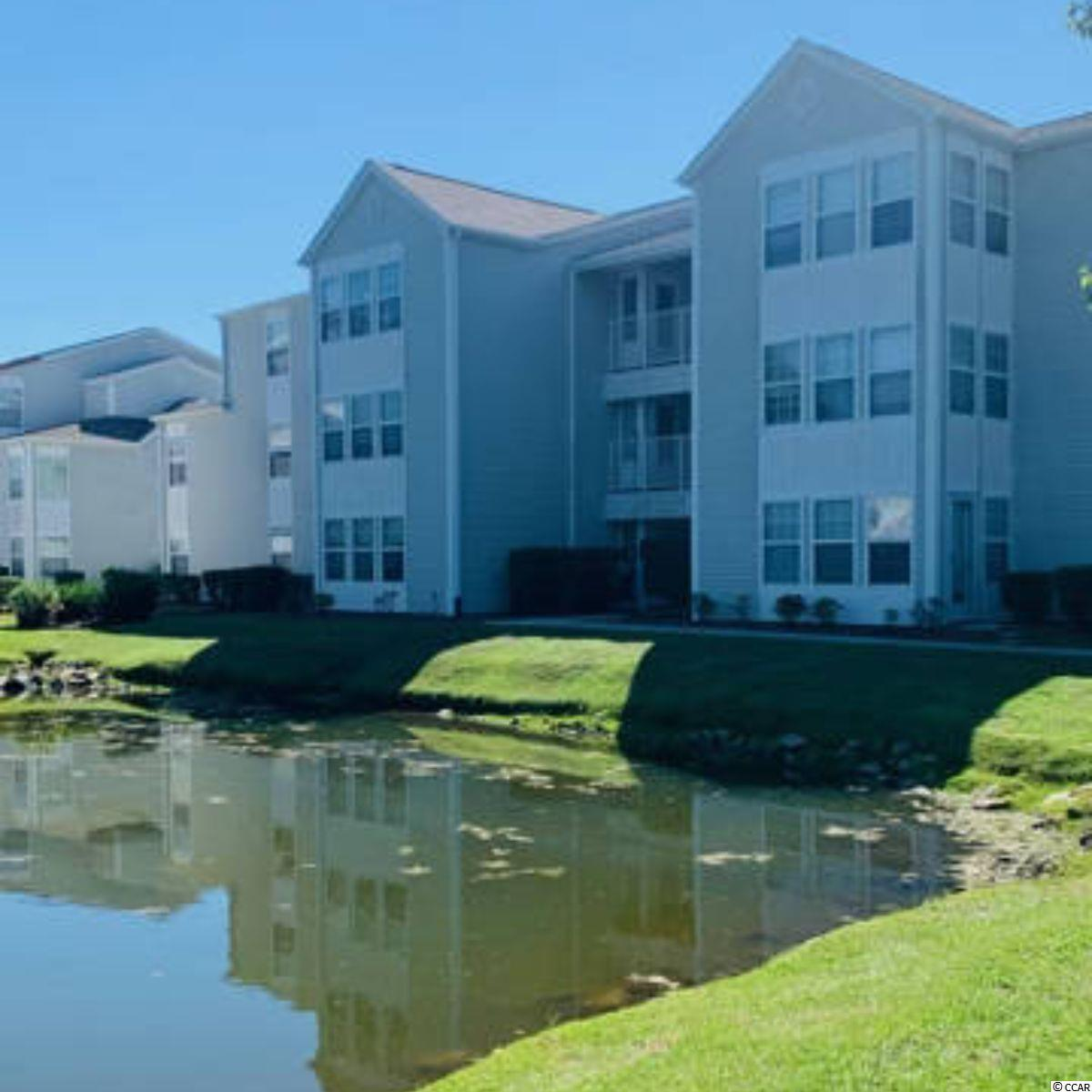 Spacious 3 bedroom located in a great neighborhood only 5 minutes away from the beautiful Surfside Beach; conveniently located close to local attractions such as Market Commons, Broadway at the Beach, Murrells Inlet Marshwalk. Outdoor pool and club house located in the complex.