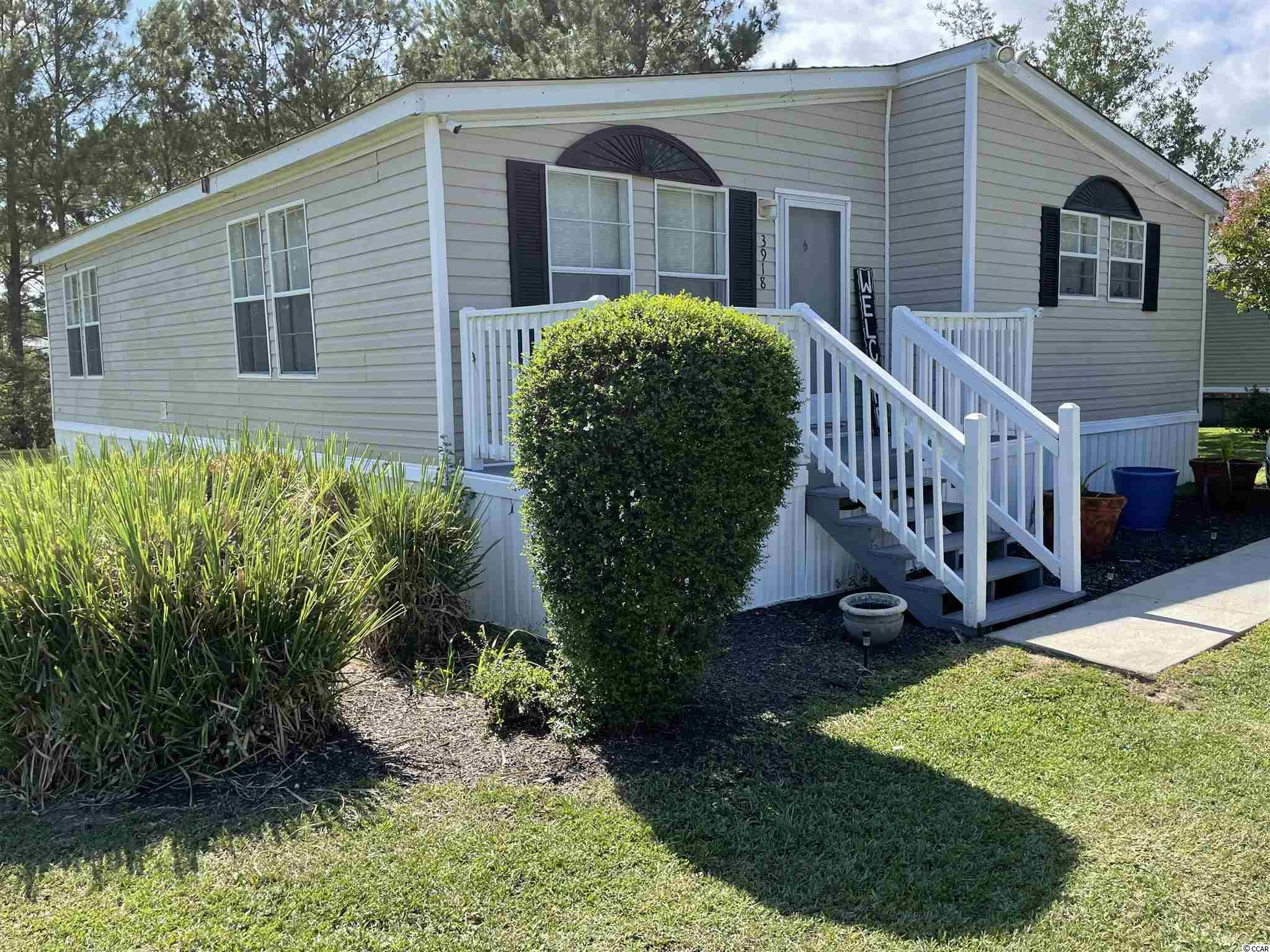 Beautiful 3 bedroom 2 bathroom home on a pond within a quiet neighborhood. Close to Conway and all it has to offer and only 25 min to the beach! Come check this home out!