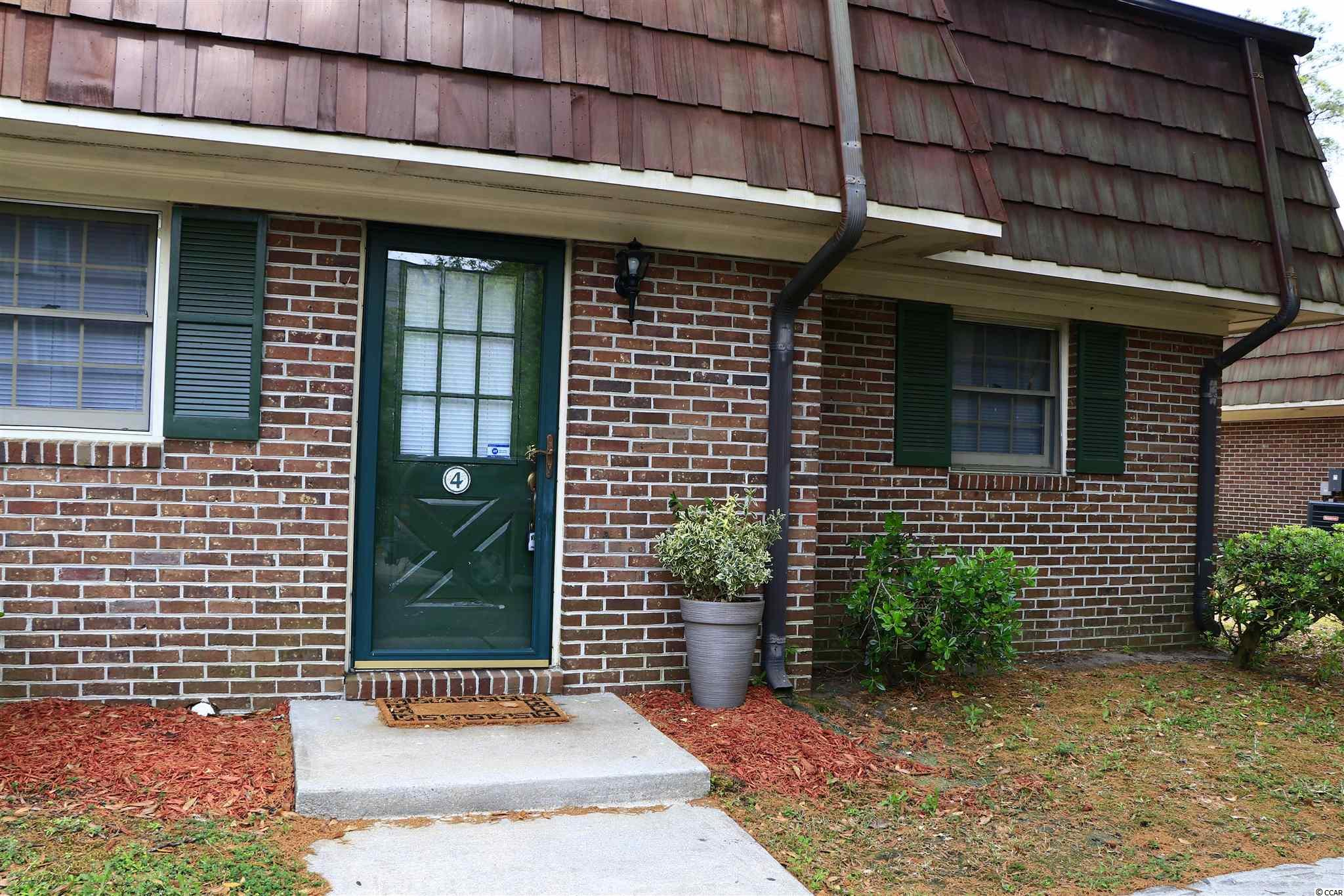 Great area for students..very near Coastal college college, Beach. Rivetown Conway.  Waccamaw River. Howpital. good rental.