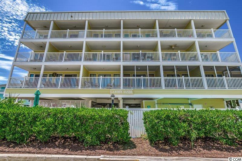 3 Bedroom, 2 Bath, Oceanivew unit. Furnished. Walking distance to the Garden City Pier.
