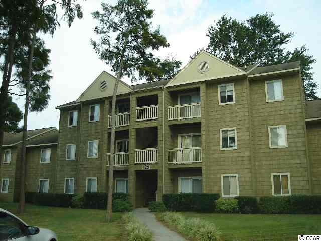 BEAUTIFUL MYRTLE GREENS 3RD FLOOR UNIT CLOSE TO UNIVERSITY AND HOSPITAL. EASY TO SEE.  WHITE KITCHEN AND ALL APPLIANCES ARE INCLUDED. NATURAL GAS FIREPLACE, CATHEDRAL CEILING IN LIVING AREA IS VERY DRAMATIC. SECLUDED, PRIVATE SETTING.