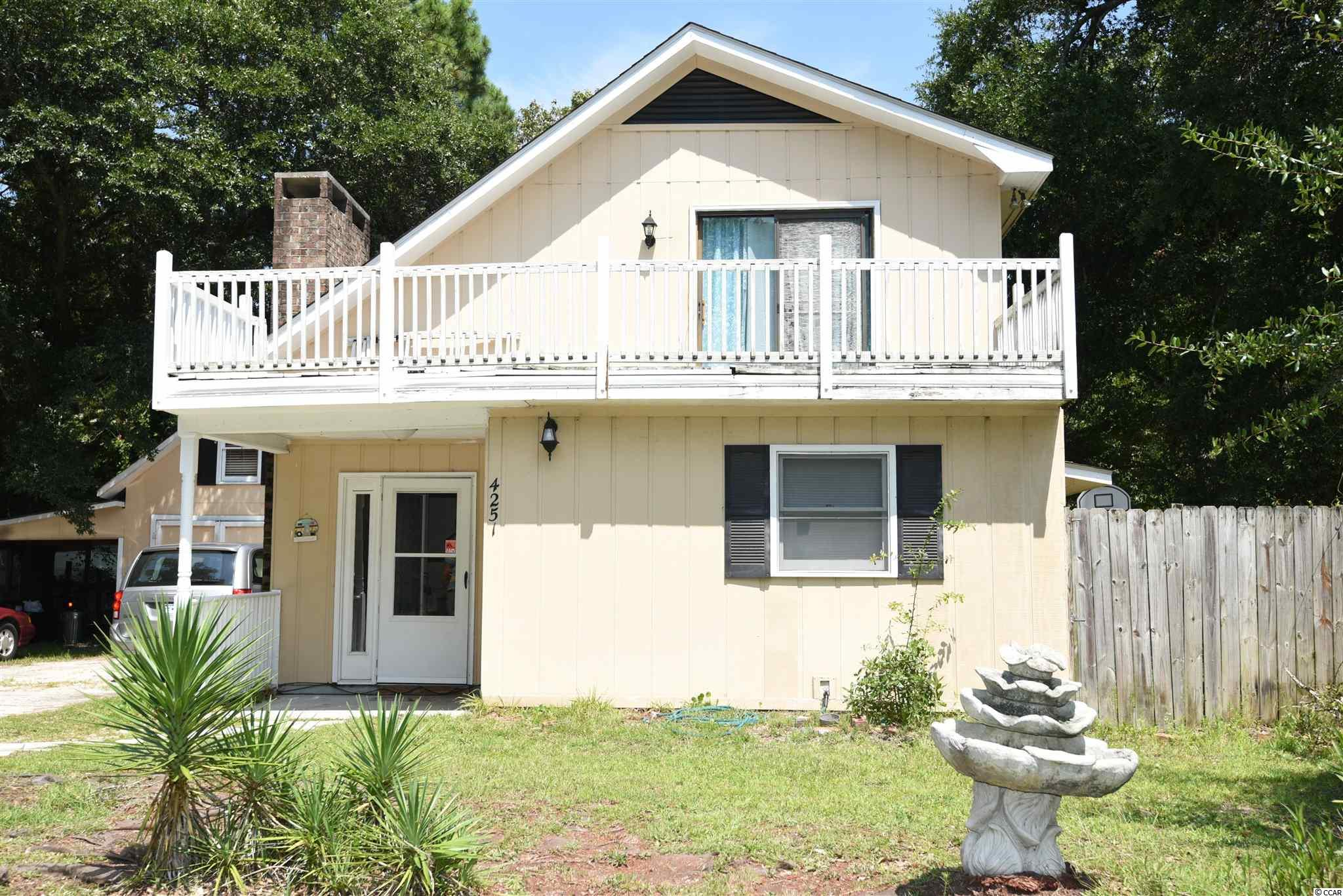 Wonderfully affordable opportunity to own this single family home in Little River. Centrally located, this home is situated on a private, fenced, .27 acre lot and close to the ICW and the beaches in Cherry Grove and Sunset Beach.