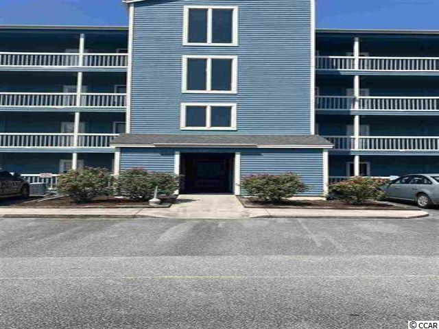 Two Bedroom and two bath condo nestled in the quaint fishing village of Little River.  Eagle Lake is centrally located close to the beautiful beaches of North and South Carolina and minutes away from award winning dining, Beach,  golf and entertainment