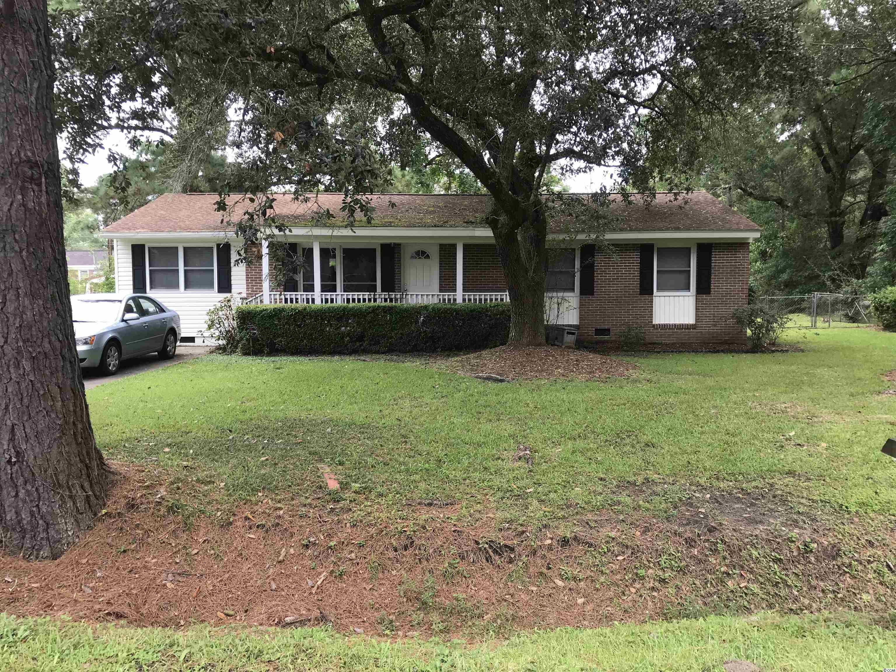 LOW MAINTENANCE EXTERIOR BRICK & VINYL HOME LOCATED JUST OUTSIDE GEORGETOWN CITY LIMITS (NO CITY TAXES) IN THE DESIRABLE NEIGHBORHOOD OF KENSINGTON SUBDIVISION.   CLOSE TO ALL COMMUNITY SCHOOLS, SHOPPING & DINING.   HARDWOOD AND CERAMIC TILE FLOORS, STORM WINDOWS, HVAC HANDLER REPLACED IN 2019 AND FAN BLOWER REPLACED 2021; FENCED YARD.