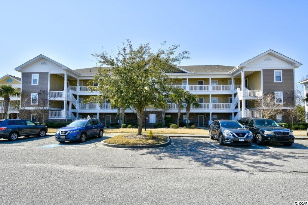 Must see this beautiful  2br/2ba 1st floor unit , on the 8th hole of the Greg Norman course in The Havens @ Barefoot Resort! This unit features  a screened in porch w/ amazing views of the golf course. The kitchen offers all new stainless appliances less than a yr old.  Award Winning Bareroot's 4 Championship golf courses! Barefoot's 2300 acre Resort has so much to offer including 4 championship golf courses with 2 multi-million dollar club houses, an awesome driving range w/ an adjacent Bar & Grill, Greg Norman Golf Academy, a private beach cabana w/ seasonal shuttle service to/from & gated parking lots, a 15,000 sq ft salt water pool on the marina, walking trails, restaurants and so much more! Barefoot resort is only a mile from the ocean, right outside of Barefoot Landing and close to all of the shopping, dining, entertainment and all that the beach has to offer. This is Must See!!