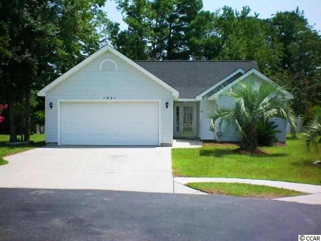 Located on Cul-de-sac. Floors are all tile, no carpet. Eat in kitchen, Family room is 15 X 28 and has a fireplace. Split bedroom plan.