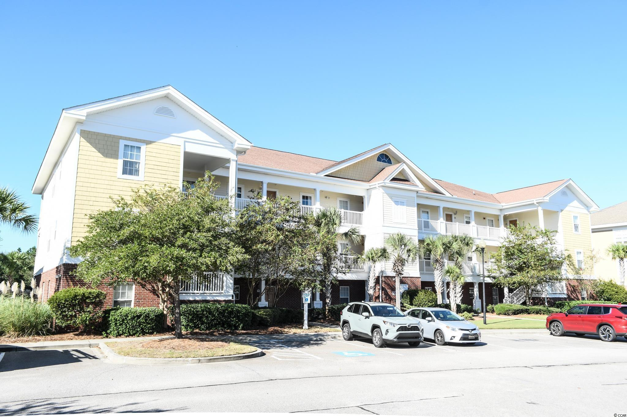 Spacious 2 bedroom/2 bath condo located in Barefoot Resorts. Barefoot Resort is centrally located in North Myrtle Beach which offers some of the best beaches, dining, entertainment, shopping and relaxation. Perfect for a primary, secondary or as an investment property.