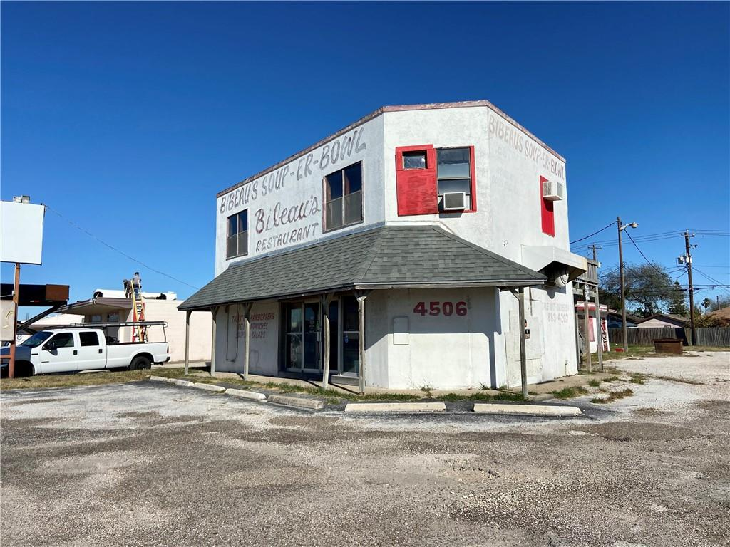 Great location! Industrial area with super potential. This building was formerly a Corpus landmark (Bibeau's Soup – Er Bowl). The building has been gutted inside and ready for a makeover. Has apartment upstairs (1200 sq ft) that could easily be brought back to life. Corner lot has easy access for a new business. Lot is over 24,000 sq. ft. Endless possibilities for new owners!