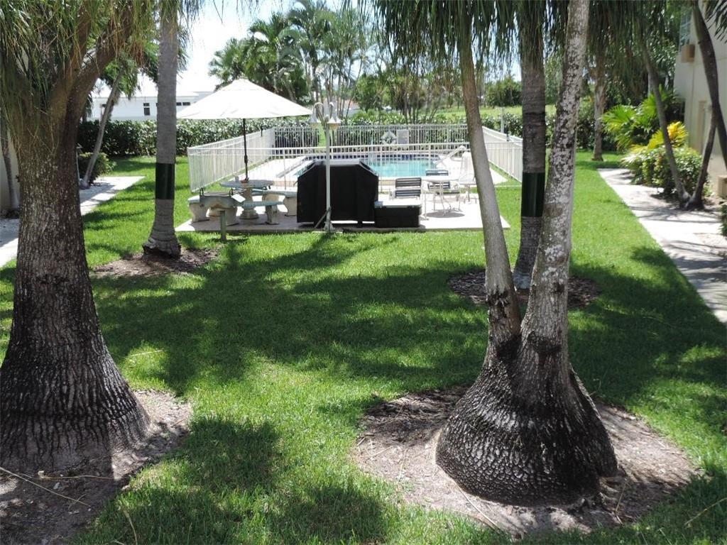 Lovely 1 bedroom 1 bath,tile thruout steps to the pool. Quiet small complex backs up to Coral Ridge Country Club. CLose to shopping,restaurants and beach. Only pet allowed is a cat