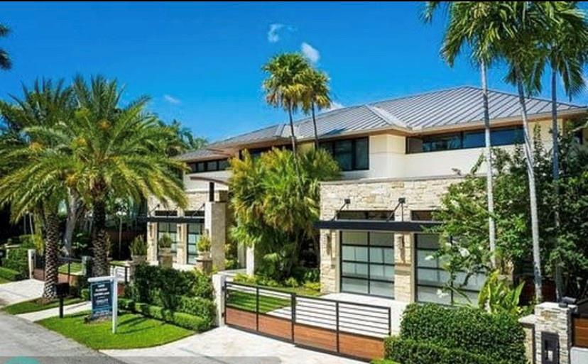 BETTER THAN NEW CONSTRUCTION. WARM MODERN DESIGN, GOURMET KITCHEN OPENS TO COVERED & SCREENED PORCH, GAS FIREPIT & SUMMER KITCHEN. MASTER SUITE, SEPARATE HIS/HER BATHS & HUGE CLOSET. STEAM SHOWER, ELEVATOR, POWER STATION IN GARAGE, 100' DEEP DRAFT WATERFRONT WITH QUICK OCEAN ACCESS. 100 AMP POWER, QUICK OCEAN ACCESS. IN-LAW SUITE, OFFICE, CONTROL4 HOME AUTOMATION, 16 CAMERAS, 4 CAR GARAGE, FENCED AND GATED. BAR-WINE AREA, FIREPLACE, TRAY CEILINGS & SOFFITS. WALK 2 BEACH AND LAS OLAS SHOPS. ONE OF LAS OLAS'S BEST STREETS.