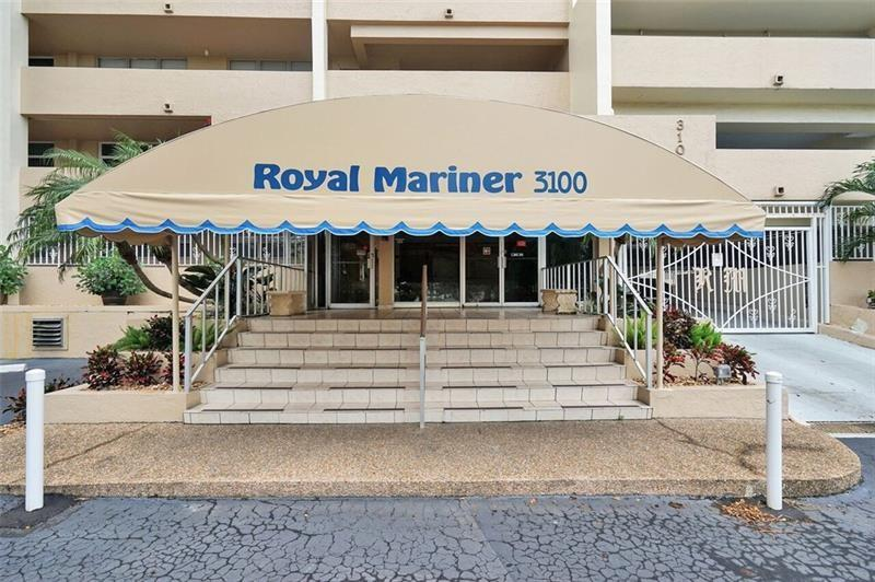 Wow! This unit looks directly over intracoastal waterway straight to the beach. Brand new Kitchen and flooring. Shows like a model. Walk everywhere, shopping , fine dining and the Beach. Even to entertainment in Laud by the Sea. Pool is on Intra/ party room avail.