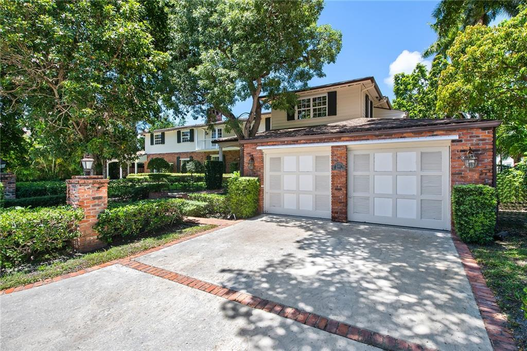 Fabulous opportunity off of Las Olas to own 140' deepwater ocean access dockage minutes to the ocean! Either renovate or build your dream home. Beautiful mature foliage adorns this classic Florida estate home that offers 4 bedrooms, 5.5 baths. Oversized pool and large upstairs balcony. Three wood-burning fireplaces. Covered parking as well as a 2 car garage.