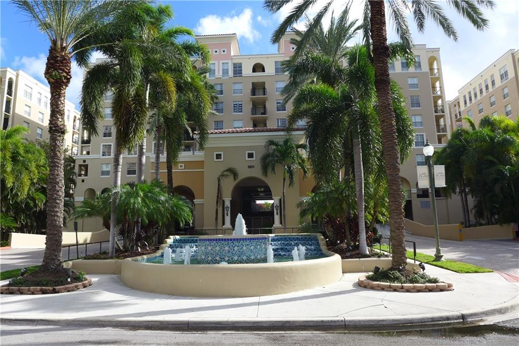 BEAUTFIUL 1 BEDROOM APARTMENT CLOSE TO LAS OLAS, DOWNTOWN, AND THE BEACH. RESORT STYLE AMENITIES. TROPICAL POOL AREA AND SPA, BBQ AND OUTDOOR DINING AREA, FITNESS CENTER, CYBER CAFE, BILLIARD ROOM. GARAGE PARKING.