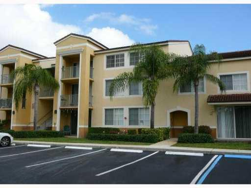 Beautiful  totally updated  spacious condo. Originally a 2br 1 bth condo converted to 1/1. Granite kitchen and bath room, Decorative Tile in kitchen and living areas. SS Appliances. Wood floors in Bedroom. All new tile  and bath tub. new roof newer a/c and hot water tank. gorgeous gated community on intracoastal with tennis, fitness, business center, volleyball, 2 pools, playground, clubhouse hot tub grilling and tiki area. Cable and water included!!!