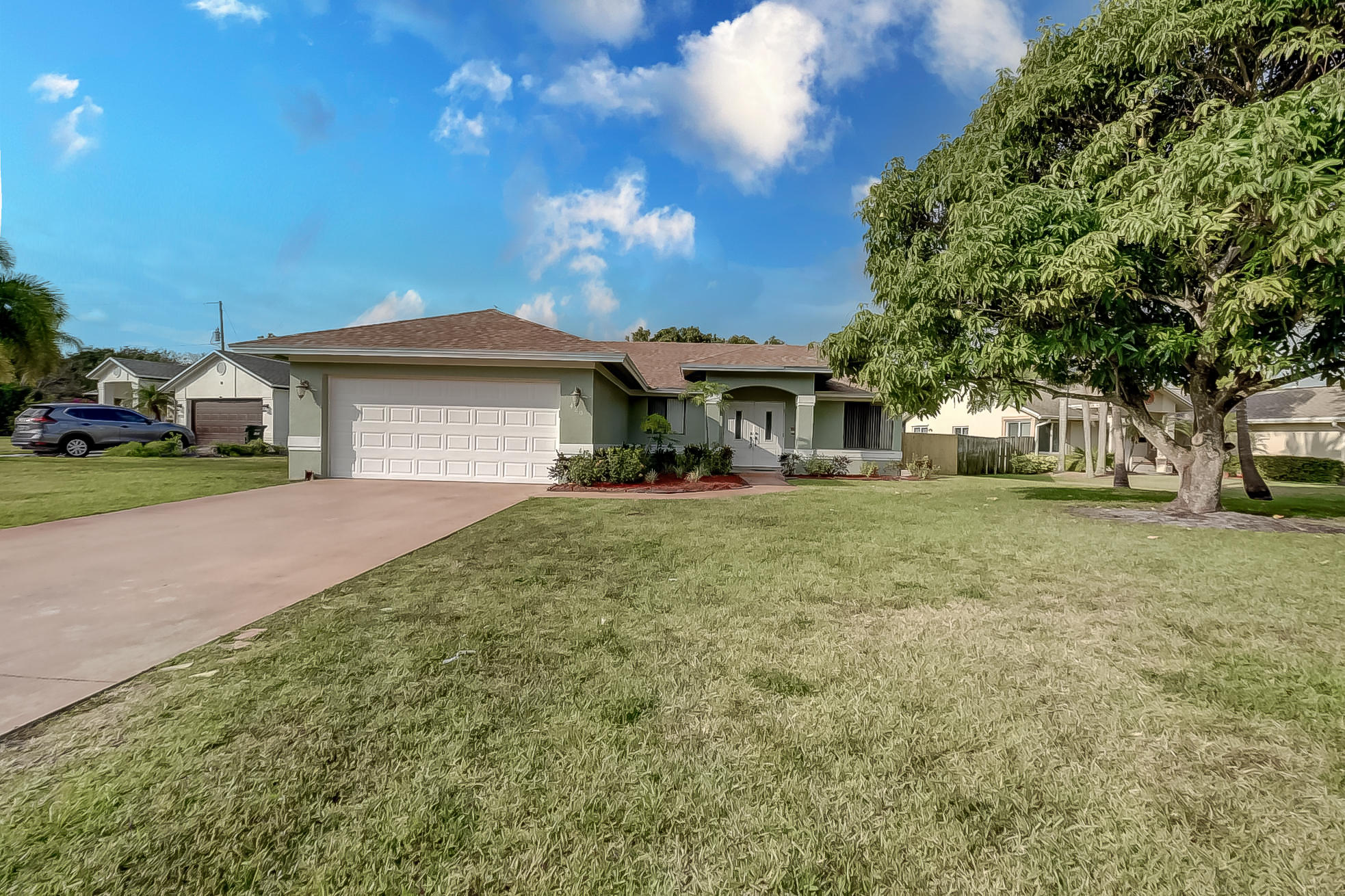 Do not miss this updated house in Lake Ida.Large backyard for kids to play, room for a large pool, within minutes from Lake Ida Park , short distance to the Ocean. less than 1 mile walk to downtown Delray. No HOA, Roof is 2 years old, new kitchen in 2020,new toilets,$4500 double front entrance door. in 2019,new A/C in 2019.