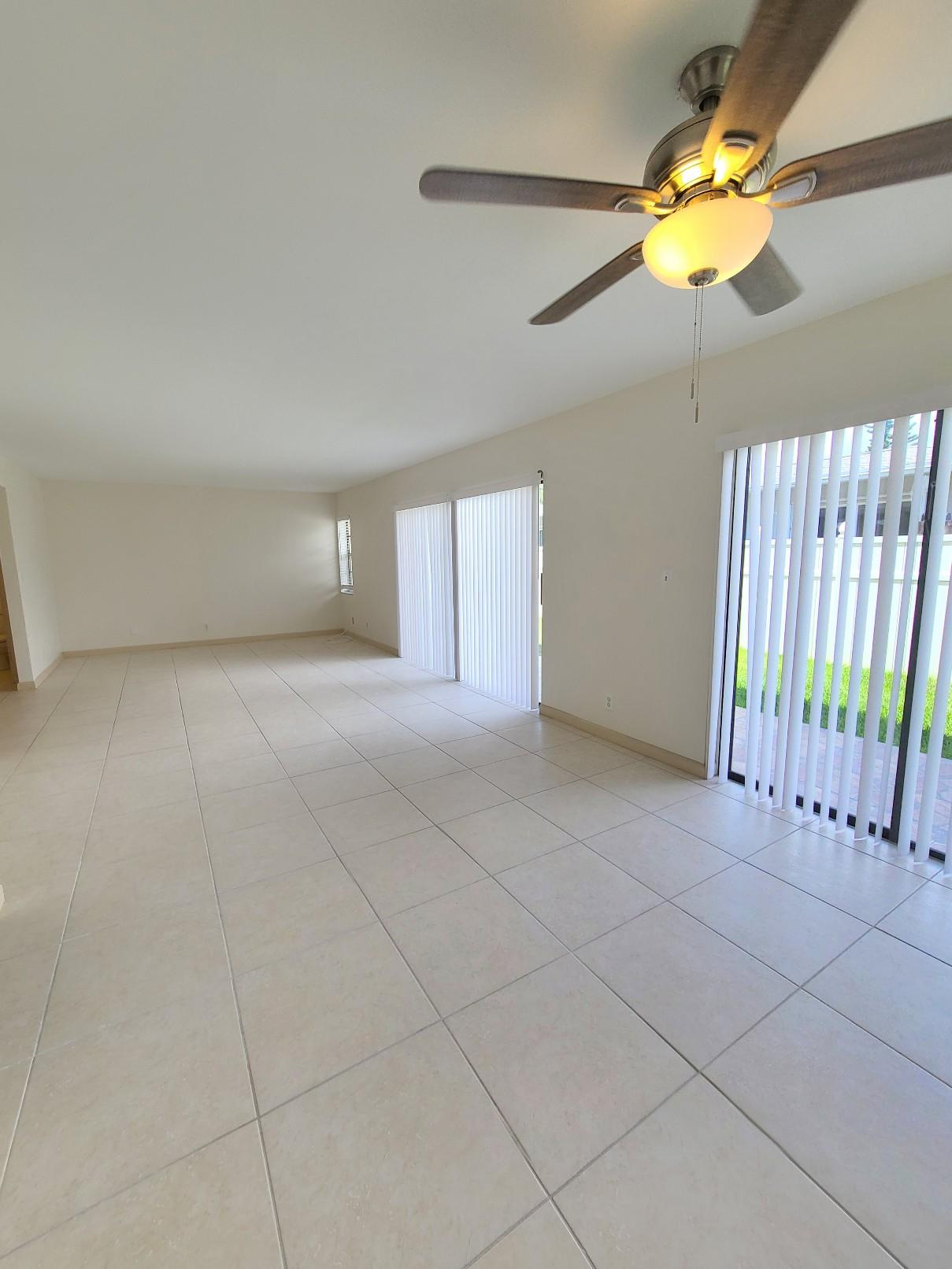 In Heart of the Fort Lauderdale Amazing two story, 2 bedroom 2.5 half bathroom Condo in Fort Lauderdale Newly updated unit with , new appliances. Bathrooms are fully renovated with modern taste. Over looking to well kept garden area. Open parking space for 2 cars. Walking distance to Fort Lauderdale Beach ,and minutes away to Lauderdale by the Sea, restaurants , bars and shopping area. Easy to show on lock box. No pets allowed.