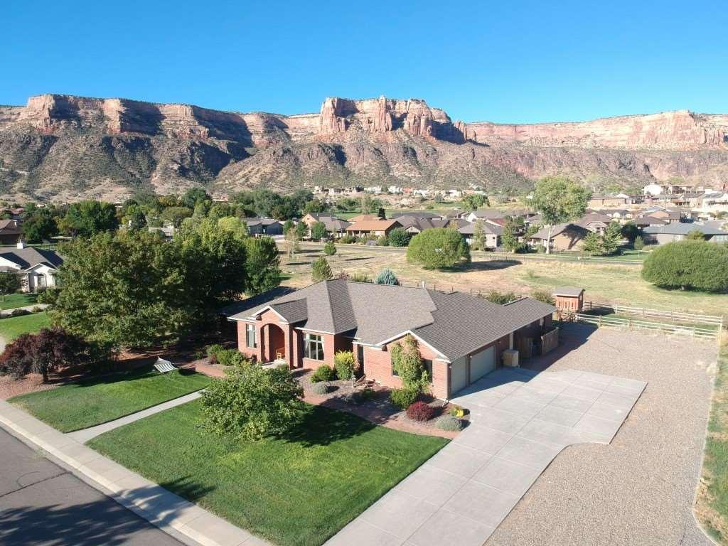 499 Desert Hill Court, Grand Junction, CO 81507