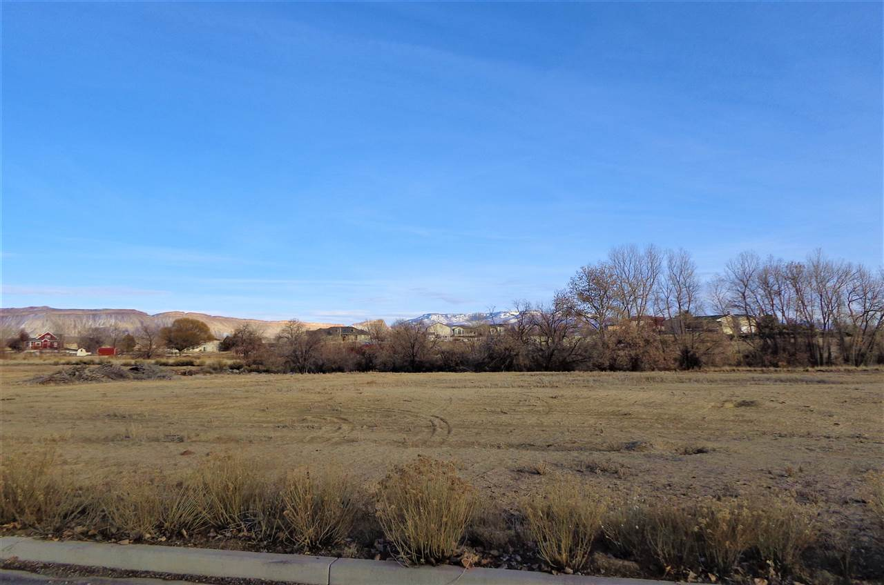 928 25 3/4 Road, Grand Junction, CO 81505